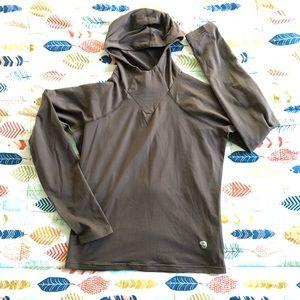 MOUNTAIN HARDWEAR soft hooded layer